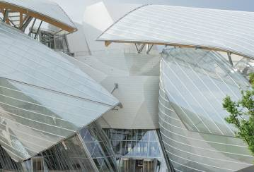 The facades of the Fondation Louis Vuitton dressed with Ductal® concrete